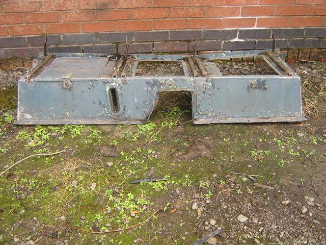 Series 2A 88 Military twin tank seat box